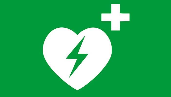 Defibrillator beim Feuerwehrhaus